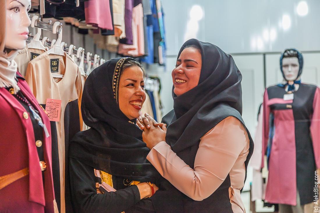 Иран люди