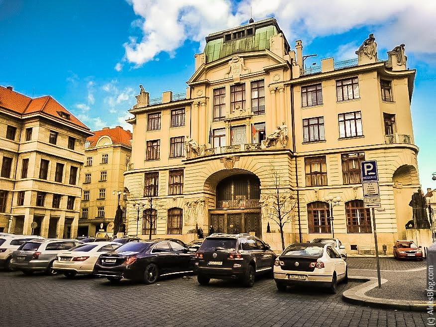 Прага лифты-патерностеры мэрия