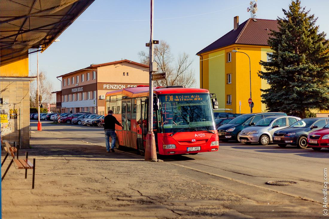 Кутна Гора городской автобус у ЖД вокзала