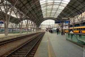 Перрон главного вокзала Праги