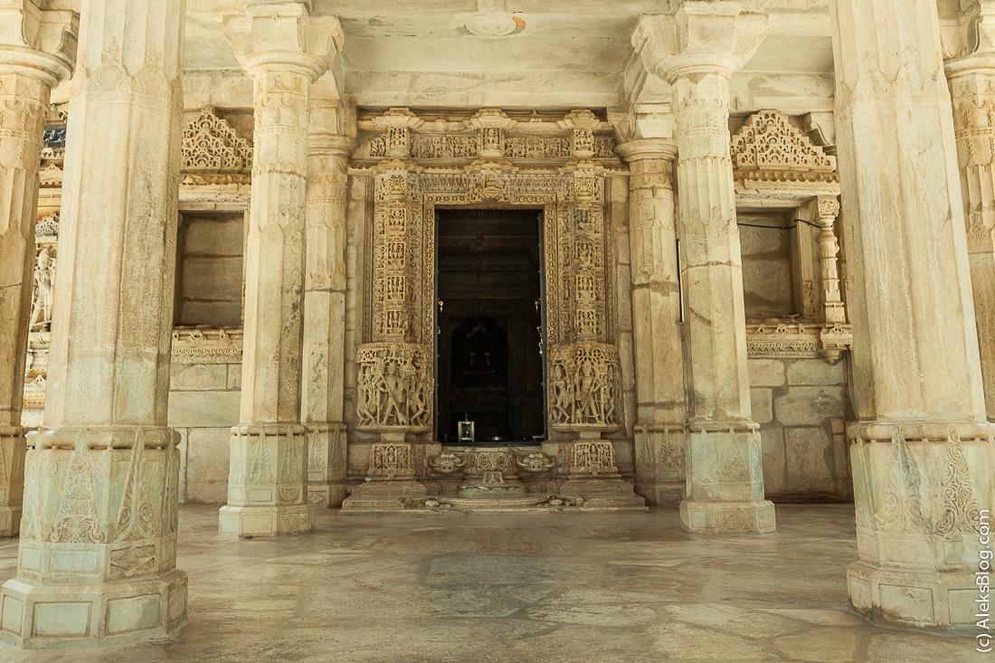 Ранакпур Джайнский храм