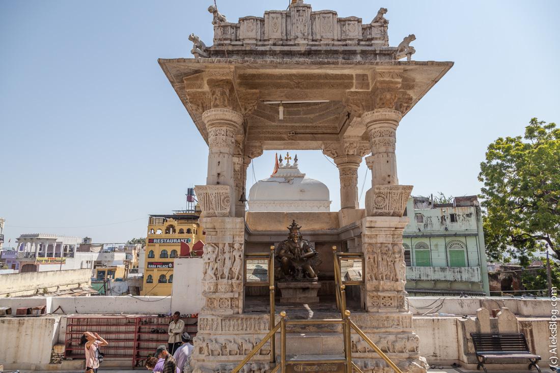 Храм Джагдиш
