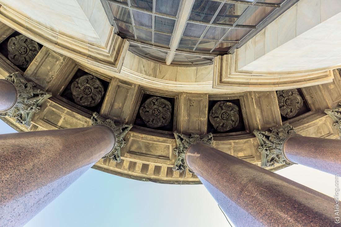 Исаакиевский собор колоннада
