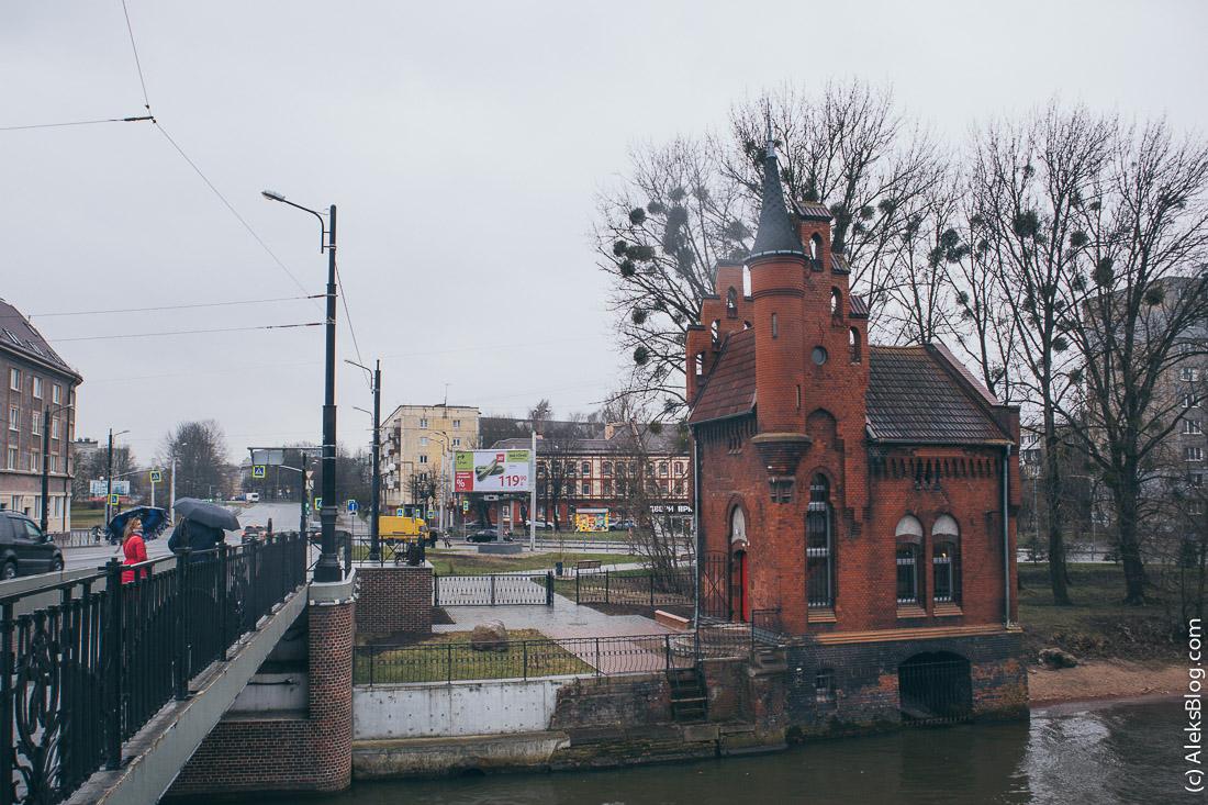 Дом смотрителя Высокого моста