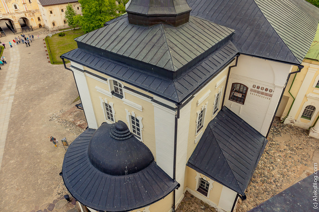 Колокольня Кирилло-Белозерского монастыря